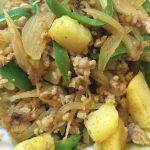 ジャガイモとひき肉のカレー炒め
