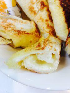 食パンチーズロール