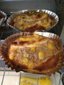 ホットケーキミックスで作るツナマヨコーンパン