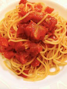 バター風味のトマトパスタ