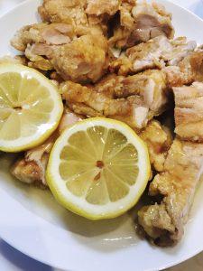 鶏モモ肉のレモンソース