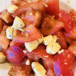 トマトとクリチのサラダ