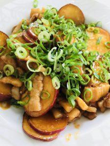 豚とサツマイモの甘辛炒め