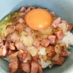 ソーセージ炒め卵かけご飯